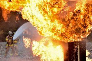 Пожар на мусороперерабатывающем заводе в северной промзоне