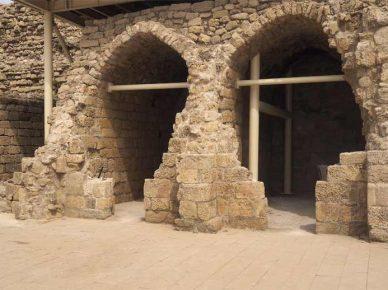 Старинная крепость в новом неоднозначном виде