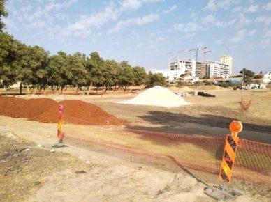 Новая стоянка возле парка Элишева